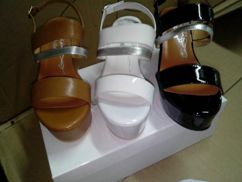 供应1108-1凉鞋
