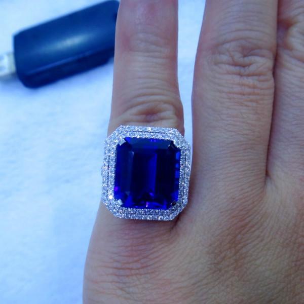 供应坦桑蓝宝石镶嵌18K白金伴钻戒指,独一无二坦桑石婚戒