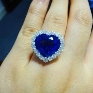 天然坦桑石戒指18K白金钻石戒指图片