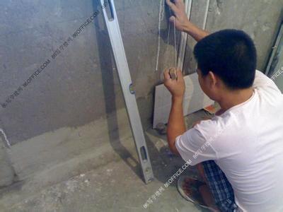 杭州滨江区瓷砖装修贴专业铺地板_杭州滨江区彩印pvc胶盒图片