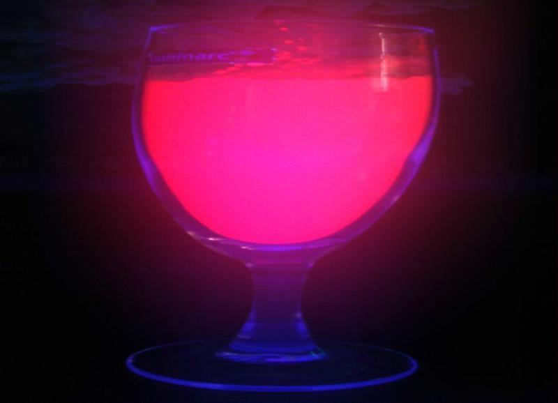 供应夜光粉使用寿命超能夜光粉高脚玻璃烛台专用夜光粉