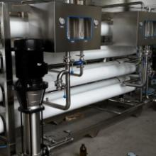 供应纯净水系统及瓶装水灌装设备制造商,由廊坊兴达提供各种规格纯净水、反渗透设备生产厂家批发