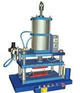 气动冲床-气动压力机-小型压力机图片