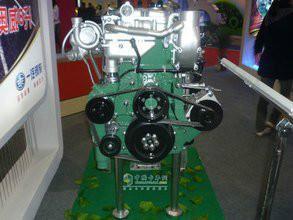 供应锡柴奥威280马力发动机图片