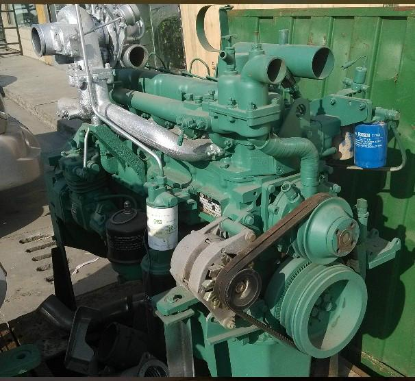 供应锡柴280发动机图片